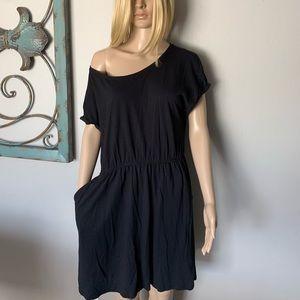 H&M BLACK COLD SHOULDER DRESS WITH POCKETS!